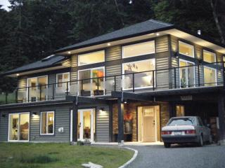 "Bates Beach ""Sweet"" - Courtenay vacation rentals"