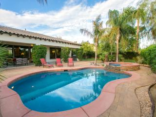 'Summerland' Pool/Spa, fireplace,Walk to festivals - La Quinta vacation rentals