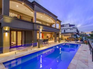 LAKELAND KEYS - Heated Pool / Walk to Pacific Fair - Broadbeach vacation rentals