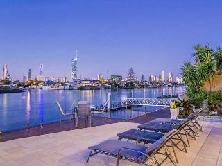 Spacious House with Deck and Internet Access - Broadbeach vacation rentals