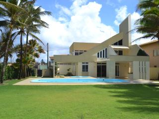 Nice House with A/C and Balcony - Lauro de Freitas vacation rentals
