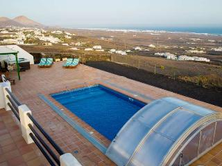 4 bedroom Villa with Internet Access in La Asomada - La Asomada vacation rentals