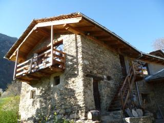 Nice Gite with Mountain Views and Hot Tub - Stroppo vacation rentals