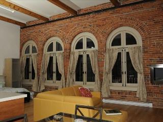 Romantic Loft in Old Quebec City - Quebec City vacation rentals