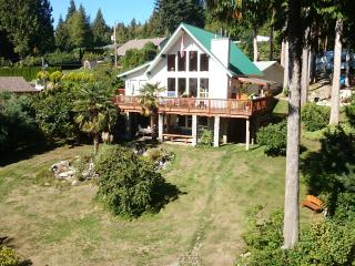 A Peaceful Retreat at the Edge of the Forest - Gibsons vacation rentals
