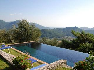 4 bedroom Villa with DVD Player in Arliano - Arliano vacation rentals