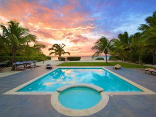 Footprints on the Beach, Sleeps 12 - Grace Bay vacation rentals