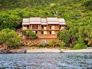 LaVida, Sleeps 10 - Nail Bay vacation rentals