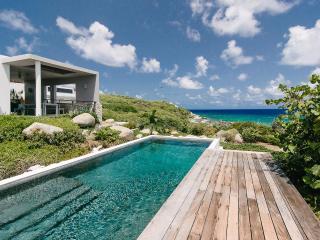 Bayhouse, Sleeps 2 - Little Trunk Bay vacation rentals