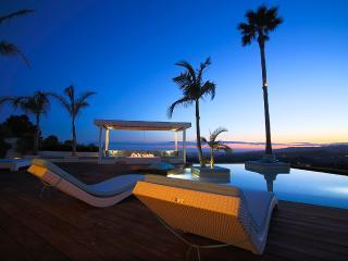 Beverly Hills Crest Estate, Sleeps 8 - Beverly Hills vacation rentals