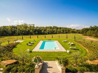 9 bedroom Villa with Internet Access in Arezzo - Arezzo vacation rentals