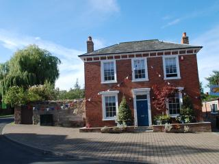 Holiday House -   Newent- Gloucestershire - Newent vacation rentals