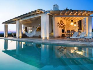 Villa Chianca, Sleeps 8 - Manduria vacation rentals