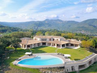Gorgeous 5 bedroom Villa in frejus - frejus vacation rentals