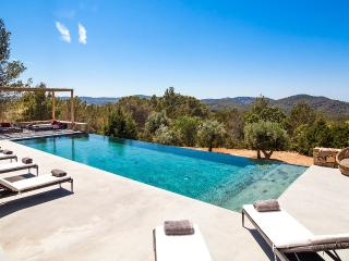 Comfortable 6 bedroom Villa in Sant Joan de Labritja - Sant Joan de Labritja vacation rentals