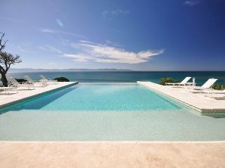 Bright Villa with Internet Access and A/C - La Cruz de Huanacaxtle vacation rentals