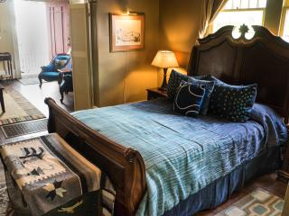 "Blue60 Guest House ""River Suite"" - New Orleans vacation rentals"