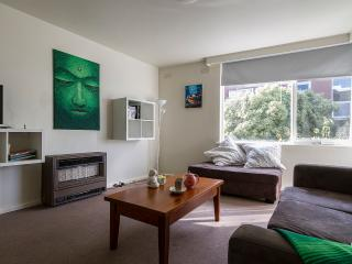 LARGE FAMILY FRIENDLY APARTMENT - Prahran vacation rentals