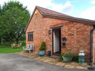 THE DAIRY, all ground floor, off road parking, garden, in Ilmington, Ref 22262 - Ilmington vacation rentals