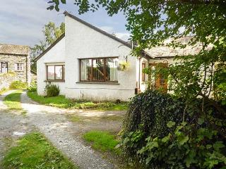 HUNTER'S MOON, woodburning stove, off road parking, patio area, in Ambleside, Ref 903560 - Skelwith Bridge vacation rentals