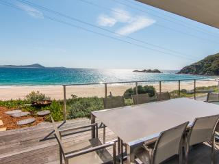 Spacious 4 bedroom House in Seal Rocks with A/C - Seal Rocks vacation rentals
