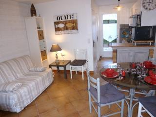 Cozy 2 bedroom House in Saint-Georges d'Oleron - Saint-Georges d'Oleron vacation rentals