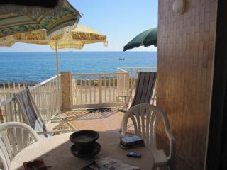 Vacanze sulla scogliera di Cava d'Aliga - WiFi - Cava d'Aliga vacation rentals