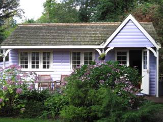 Charming 1 bedroom Cabin in New Milton - New Milton vacation rentals
