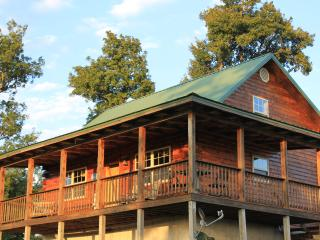 Eagles Rest cabin of the Mountain Springs Cabins - Ponca vacation rentals
