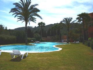 ROCA LLISA 2 BEDROOM APT - Roco Llisa vacation rentals