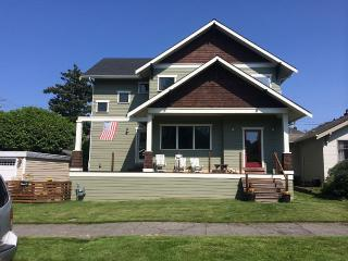 Clean, Modern, Comfortable Pad W/ Walkability - Seattle vacation rentals
