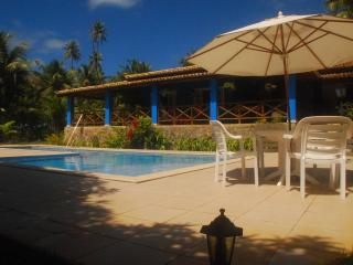 Nice Villa with A/C and Satellite Or Cable TV - Praia Imbassai vacation rentals