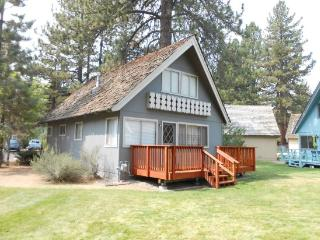 V21-Affordable Tahoe cabin with an in town location - South Lake Tahoe vacation rentals