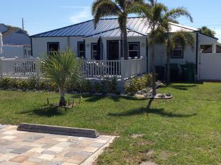 Nice Bed and Breakfast with Internet Access and A/C - Cocoa Beach vacation rentals