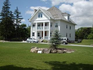 Perfect Bed and Breakfast with Internet Access and A/C - Niagara-on-the-Lake vacation rentals