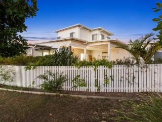 HAMPTON BEACH HOUSE ON AVOCA 3 - Casuarina vacation rentals