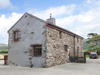 FELL VIEW COTTAGE, woodburner, private patio, near Bootle, Ref 26718 - Bootle vacation rentals