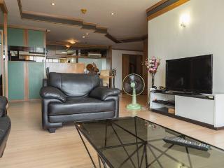 Thai Luxury 2BR Pure center on mrt/bts, crazy view - Bangkok vacation rentals