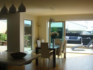 4 bedroom House with Deck in New Plymouth - New Plymouth vacation rentals