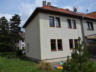 Quiet family house 17 minutes to Prague center - Prague vacation rentals