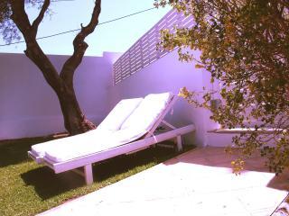 Acogedor apartamento Bolonia playa - Bolonia vacation rentals