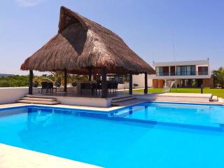 Perfect House with Internet Access and A/C - Progreso vacation rentals