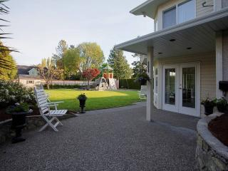 Garden City Oasis Duplex in Rockland - Victoria vacation rentals