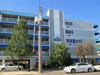 Cozy 1 bedroom Condo in Ocean City with Deck - Ocean City vacation rentals