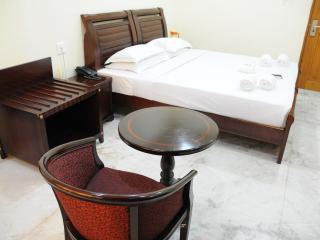 Royapettah, Lloyds Road, Exeutive Deluxe Room - Chennai (Madras) vacation rentals