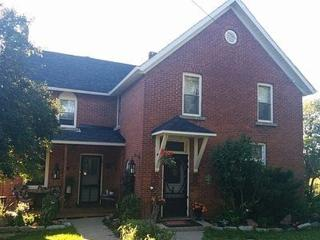 Laura's Bed & Breakfast (  Queen Room ) - Kingston vacation rentals