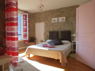 4 bedroom Bed and Breakfast with Internet Access in Laure-Minervois - Laure-Minervois vacation rentals