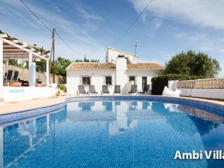 Holiday Villa in Calpe, with swimming pool - Calpe vacation rentals