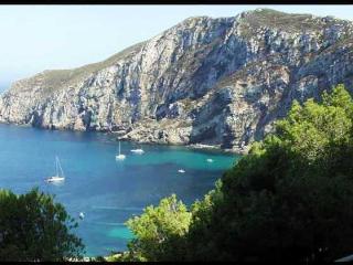 """""""Il Gabbiano blu"""" Monolocale vista mare con cucina - Marettimo vacation rentals"""