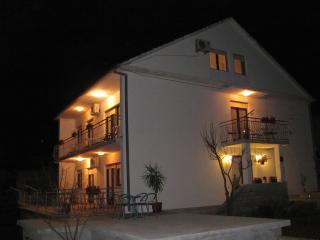 2 bedroom Apartment with Television in Mastrinka - Mastrinka vacation rentals